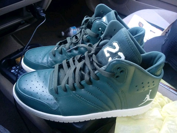 d6cae3af5cc2 Used shoes Money green Jordan for sale in Chattanooga - letgo