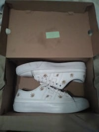 Shoes huff size 9 Bakersfield, 93313