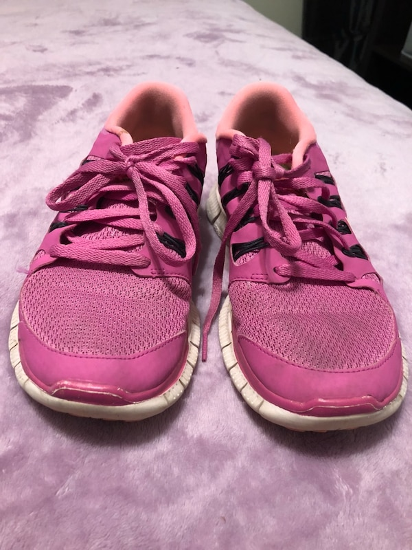 f983e88b3c06 Used Pink nikes for sale in Marietta - letgo