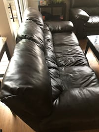 Black leather sofas Alexandria, 22304