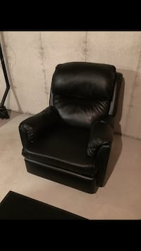 black leather sofa chair with ottoman Innisfil, L0L