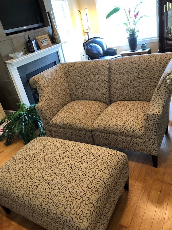 Loveseat/sofa very stylish and contemporary w/ matching ottoman $300 b09d24d5-a727-4c2c-a27e-cf17c4a64d07
