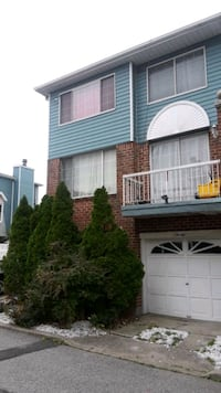 FOR SALE !!!! SEMI ATTACHED TOWN HOUSE!