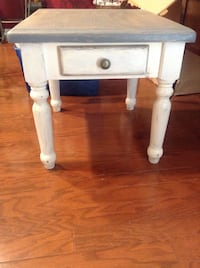 Farmhouse refinished side table Monroe, 28110