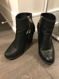Pair of black leather side-zip chunky heeled booties Toronto, M5V