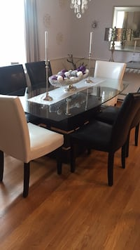 Dining Room Table and Chairs Weymouth, 02189
