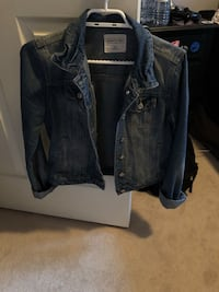 Jean jacket worn twice Pickering, L1X 1C9