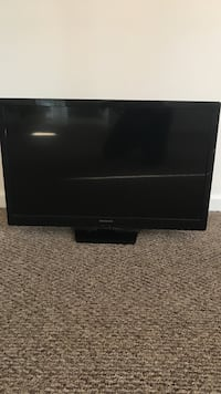 Magnavox 32 inch HD television  WORKS GREAT