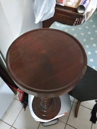 Side thin table