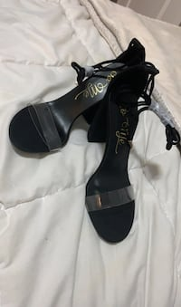 Loose it all heel Fashion Nova (8.5)