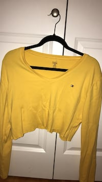 Tommy Hilfiger yellow cropped top Coquitlam