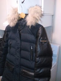 black zip-up parka jacket Edmonton, T5H 1M5