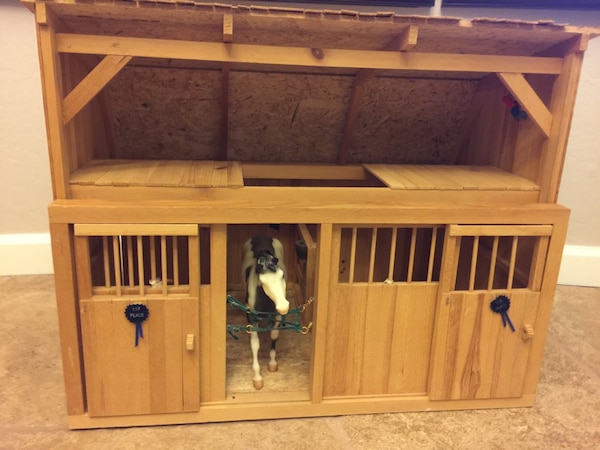 Breyer Horse Barns and accessories