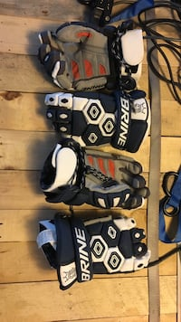 two assorted pairs of sports gloves Ellensburg, 98926