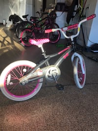 Hello kitty bike 18 inch tires Costa Mesa, 92626
