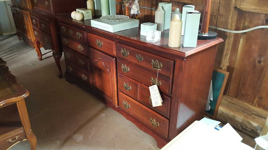 Used solid wood bassett furniture company bedroom set in