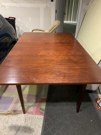 Antique table with 5 chairs Glen Burnie, 21061