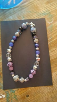 white and purple beaded necklace Ottawa, K2H 9A9