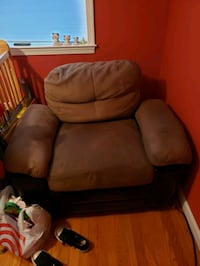 brown leather padded sofa chair Beltsville, 20705