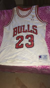 white and red Chicago Bulls 23 jersey