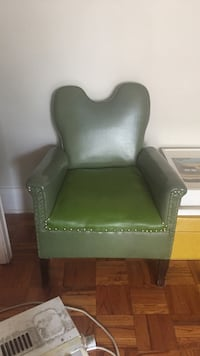 green and brown leather sofa chair Toronto, M4Y 2E3