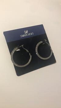 pair of silver-colored Swarovski hook earrings Montréal, H9A 2W6