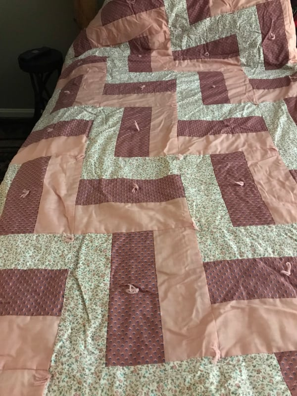 Amish Patchwork Quilts 4