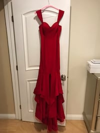 Beautiful evening gown dress NOUR size 42 worn once only dry cleaned ready to go  Burbank, 91501