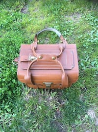 Vintage E. G. 5 Hand waxed leather camera bag Sacramento, 95823