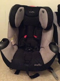 Baby's black and gray evenflo car seat 3 seats all in one expires 2024 Rochester Hills, 48309