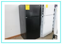 Whirlpool Refrigerator top freezer like new Minneapolis
