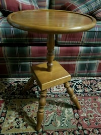Adorable Little Pizza Shaped Top Accent Table Cranberry Township