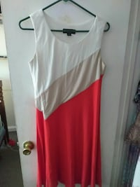 women's white and red scoop-neck sleeveless dress