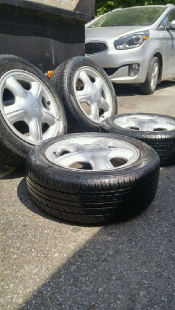 4-spoke summer tire set for sale