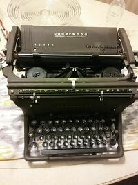 Antique Underwood typewriter, manual
