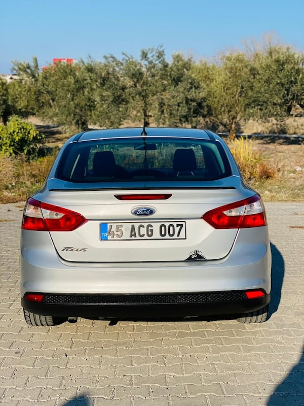 2012 Ford Focus 1.6 TDCI 95PS TREND 71e14cc4-751c-4ac7-afcf-3bb3d4385f31