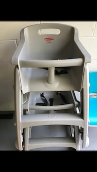 Rubbermaid  high chair never used