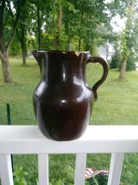 """10"""" pottery pitcher Charles Town, 25414"""