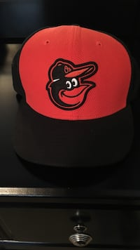 black and red fitted cap Martinsburg, 25405
