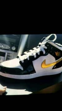 e63aa7d62bcf Jordan 1 size 7 y brand new In the box