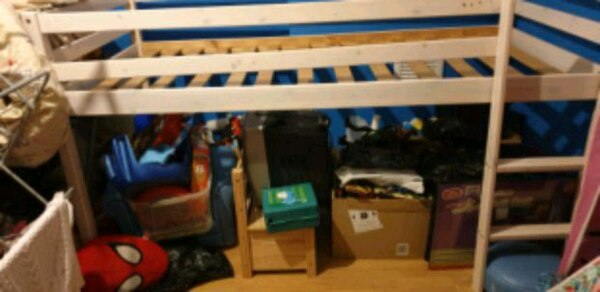 Child mid high cabin bed