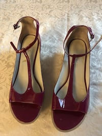Kenneth Cole burgundy leather (size 8-1/2) sandals Toronto, M3H 3B1