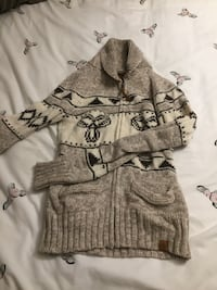 Aritzia Sweater - Small
