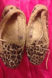 pair of brown leopard print flats Langley, V3A 8B9