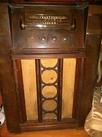 Antique Truetone radio n record player
