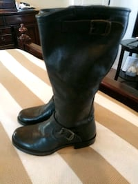 pair of black leather boots Socorro, 79927