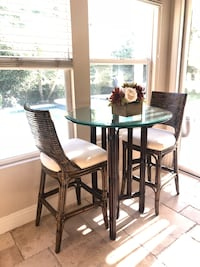Round brown wooden base glass top table set Anaheim, 92808