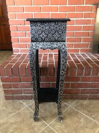Black & Silver end table Palmdale, 93551