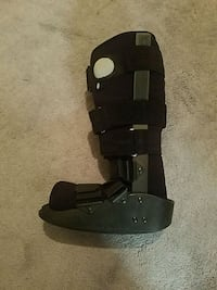 Medical walking boot