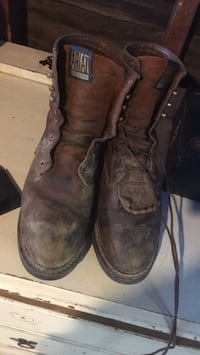 pair of brown leather work boots Bakersfield, 93308